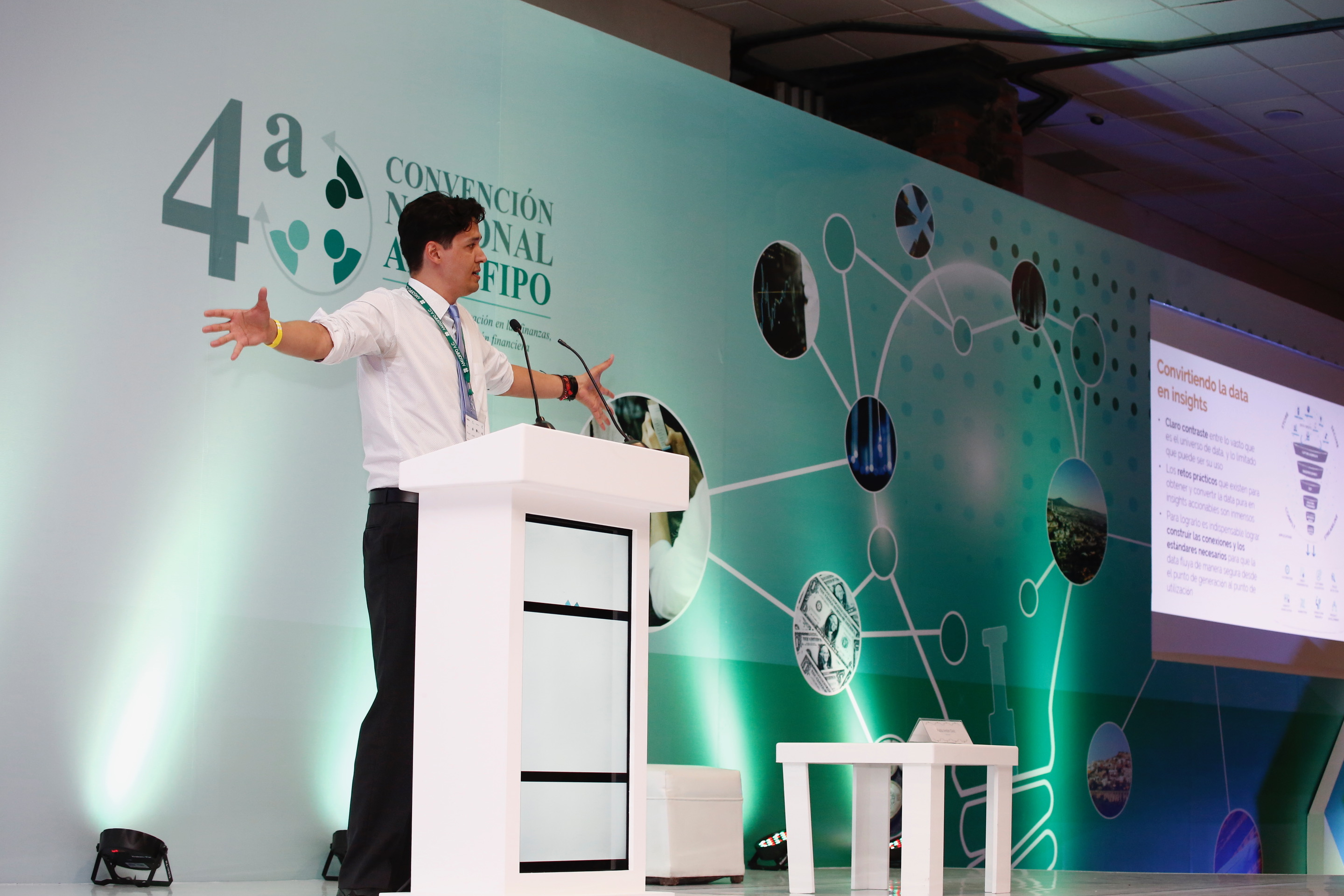 Pablo Anton-Diaz, research manager, CFI, engages financial service providers at teh AMSFIPO conference in Mexico, July 2018.